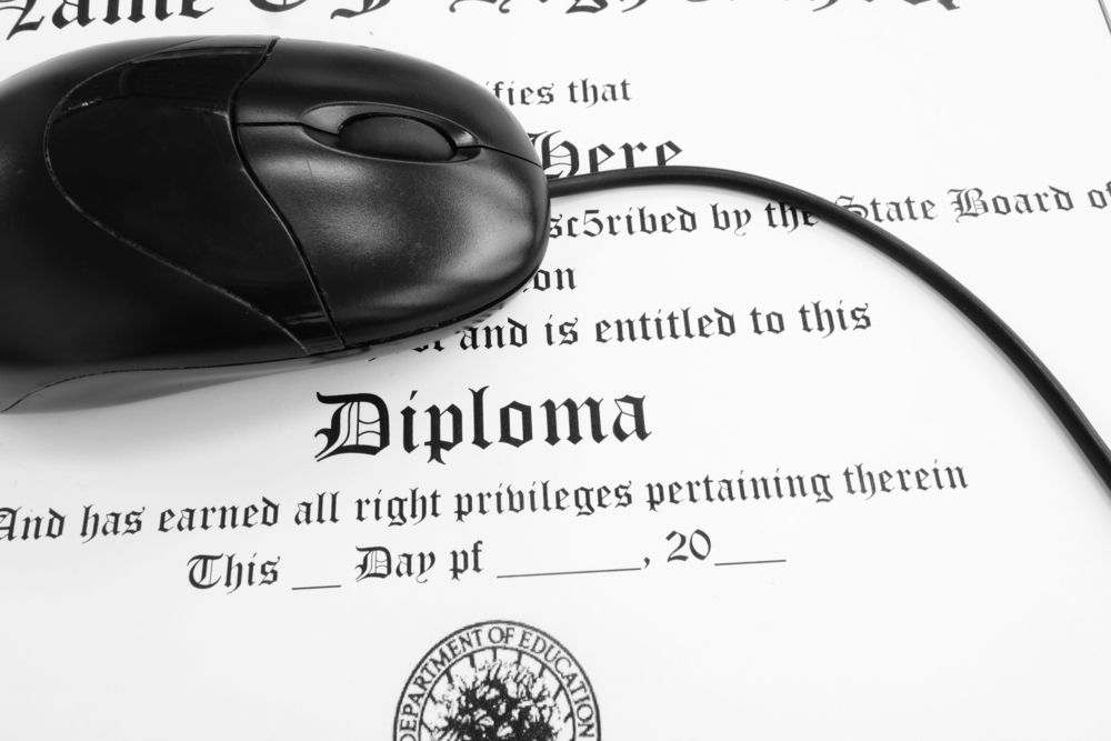 Diploma with computer mouse